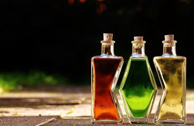 bottles-1640827_1280